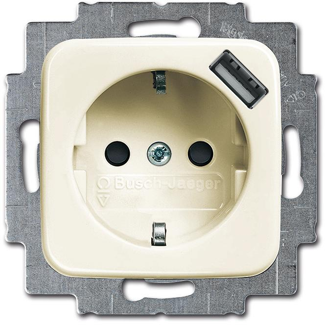 schuko usb steckdose mit integriertem erh htem ber hrungsschutz busch duro 2000 si cremewei. Black Bedroom Furniture Sets. Home Design Ideas